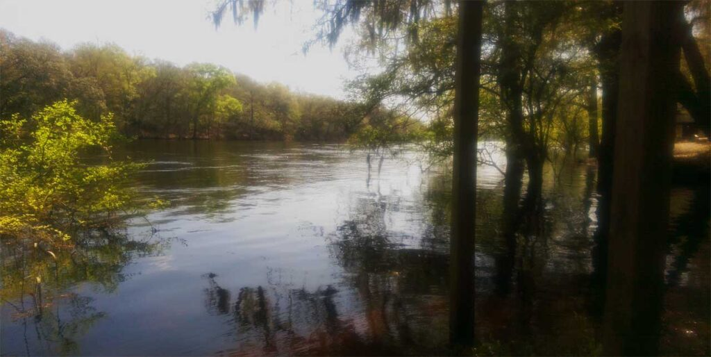 Suwannee River Rendezvous Resort